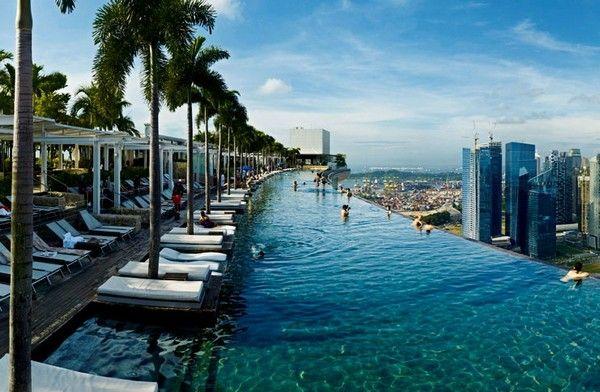 открытый бассейн в сингапуре